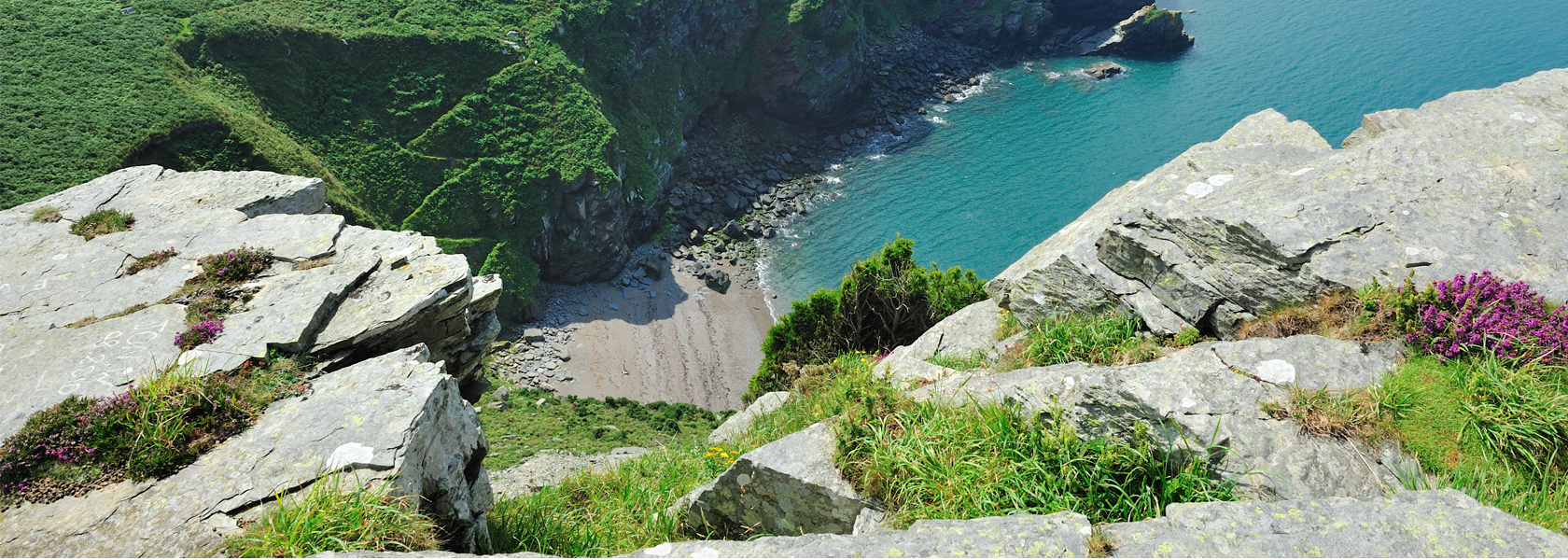 Valley_of_the_Rocks_Lynton_Rocks_1680px