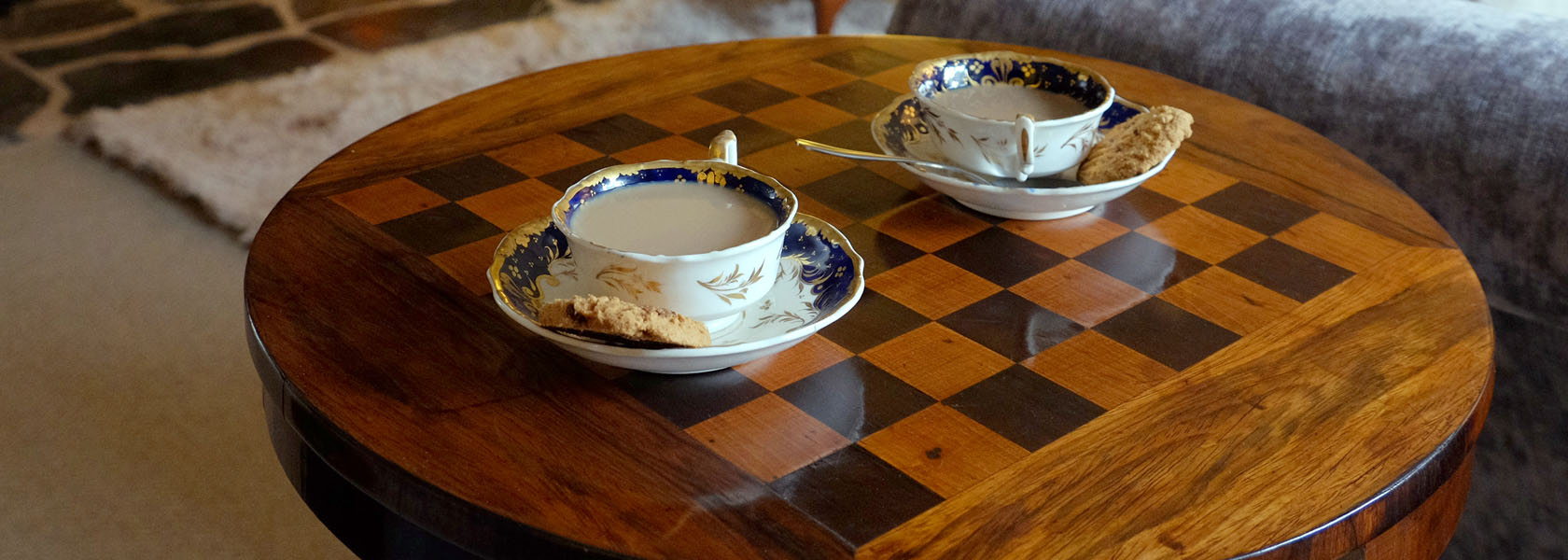Chess_Table_1680px